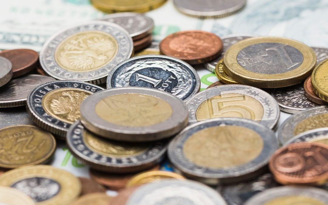 Pieniądze tylko moje. Na czym polega przemoc ekonomiczna?