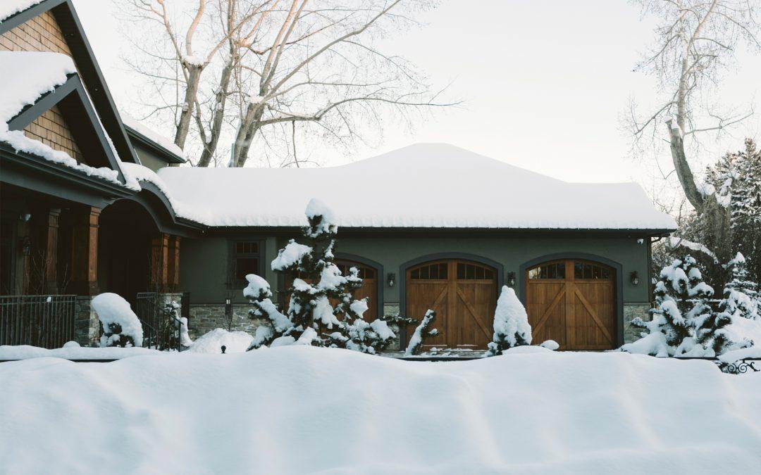 PSP: Pokrywa śnieżna poważnym obciążeniem dla dachu