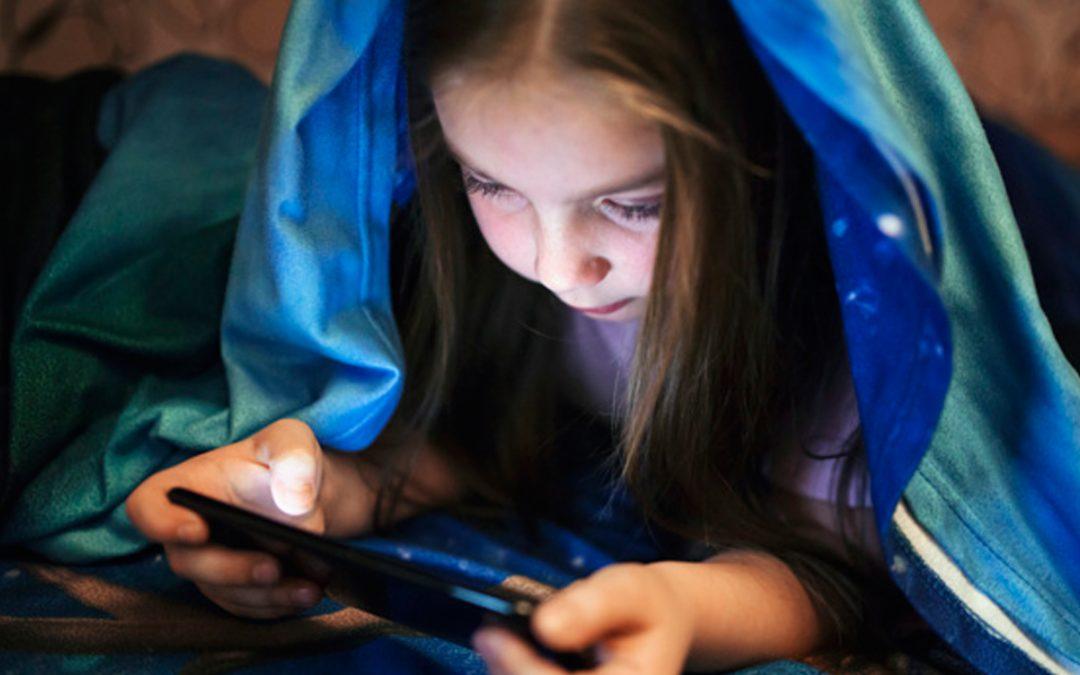 Twoje dziecko ma problemy z mediami elektronicznymi? Pomoże Fundacja Dajemy Dzieciom Siłę