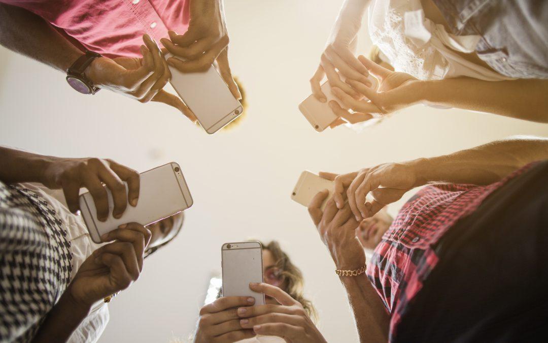 Dr K. Dziewulska-Siwek: Uzależnienie od internetu dotyka milionów ludzi – także Polaków [WYWIAD]