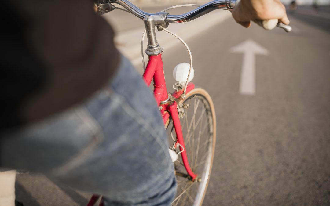 Uwaga na rowerzystów i pieszych