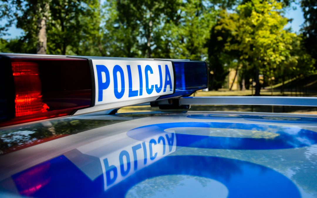 Fałszywe wezwania na policję – uwaga na niebezpieczne maile