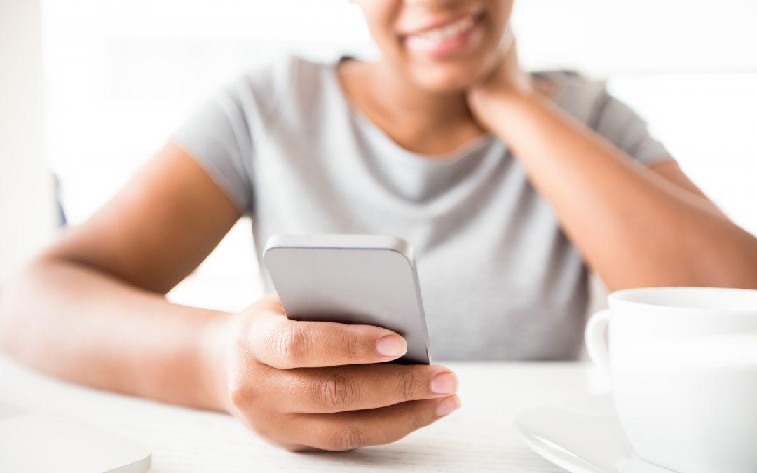 Syndrom SMS-owej szyi. Jak sobie z nim radzić?
