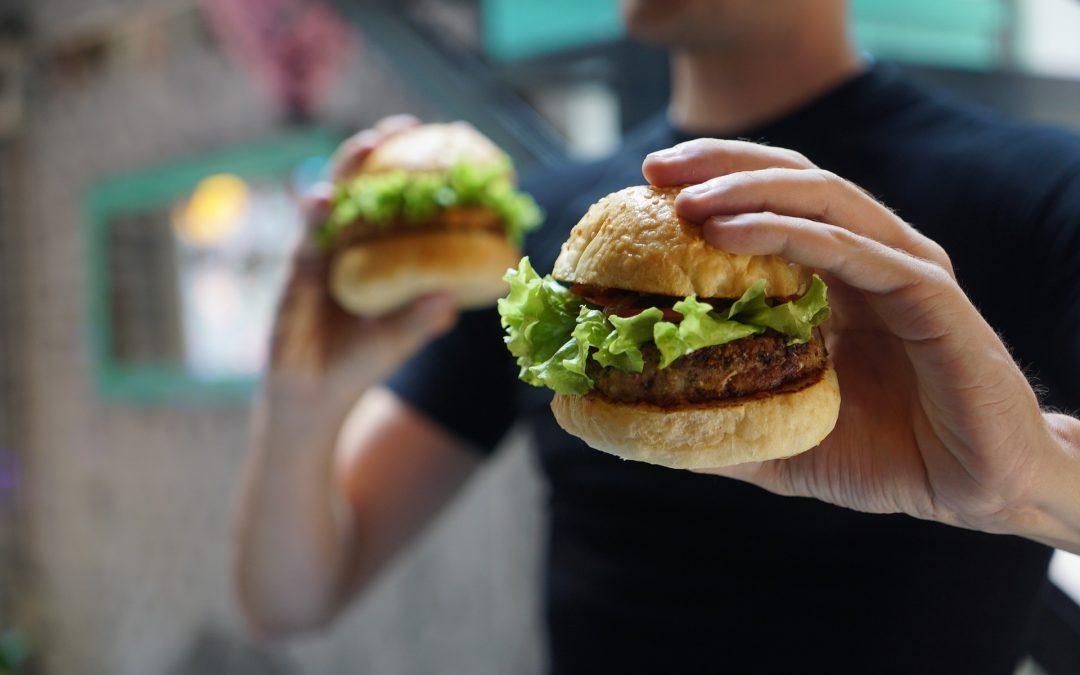 GIS ostrzega kierowców przed fast foodami