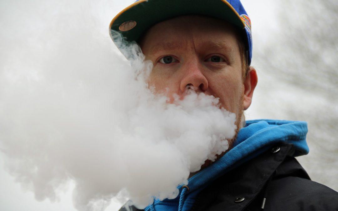 GIS monitoruje liczbę hospitalizacji związanych z e-papierosami