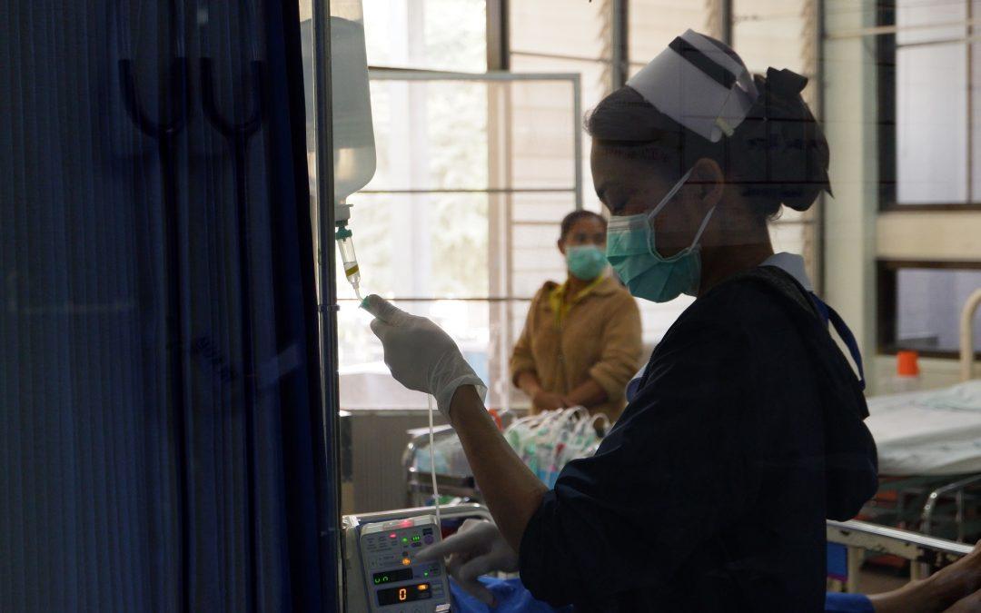 Kolejne komunikaty GIS dla podróżujących i powracających z krajów dotkniętych epidemią koronawirusa