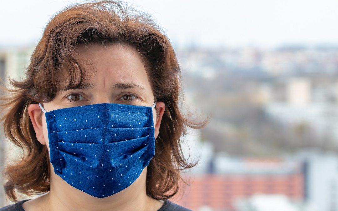 Obowiązuje nakaz zakrywania nosa i ust w miejscach publicznych