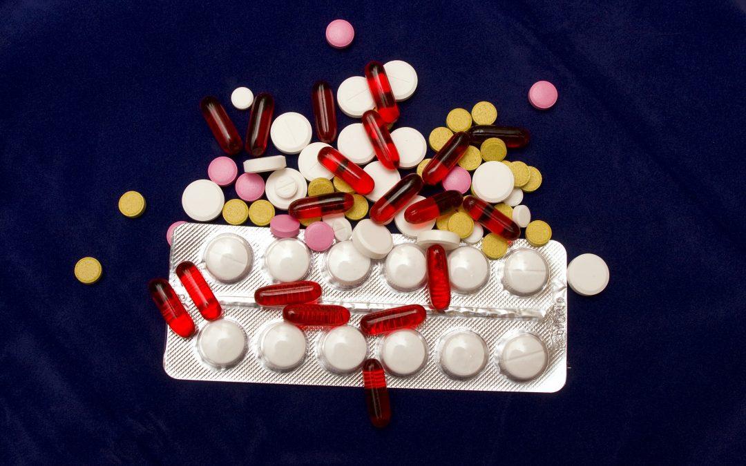 Łączenie wielu leków może zagrażać zdrowiu