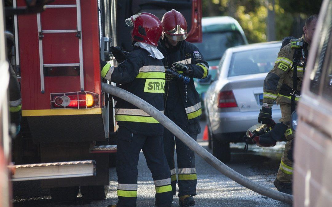 Prawie 2 tys. interwencji straży pożarnej ostatniej doby