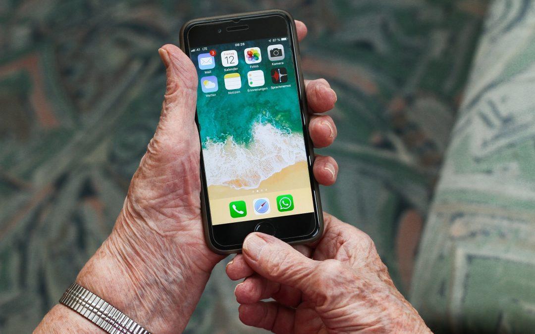 """Kampania społeczna """"Seniorze – spotkajmy się w sieci"""""""