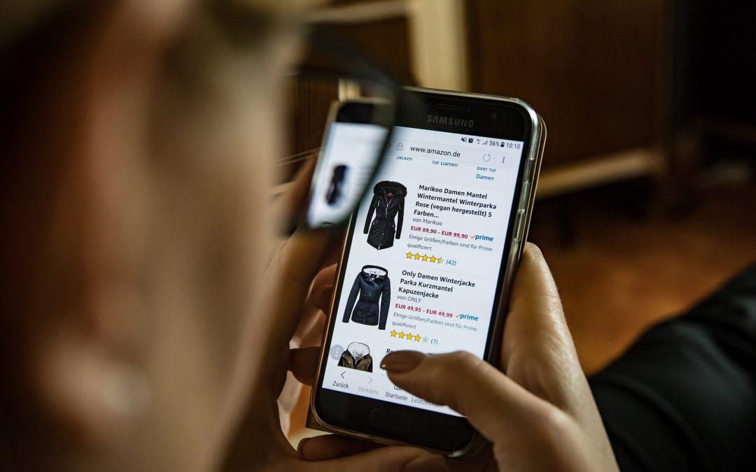 Specjaliści radzą, jak nie dać się oszukać kupując przez internet