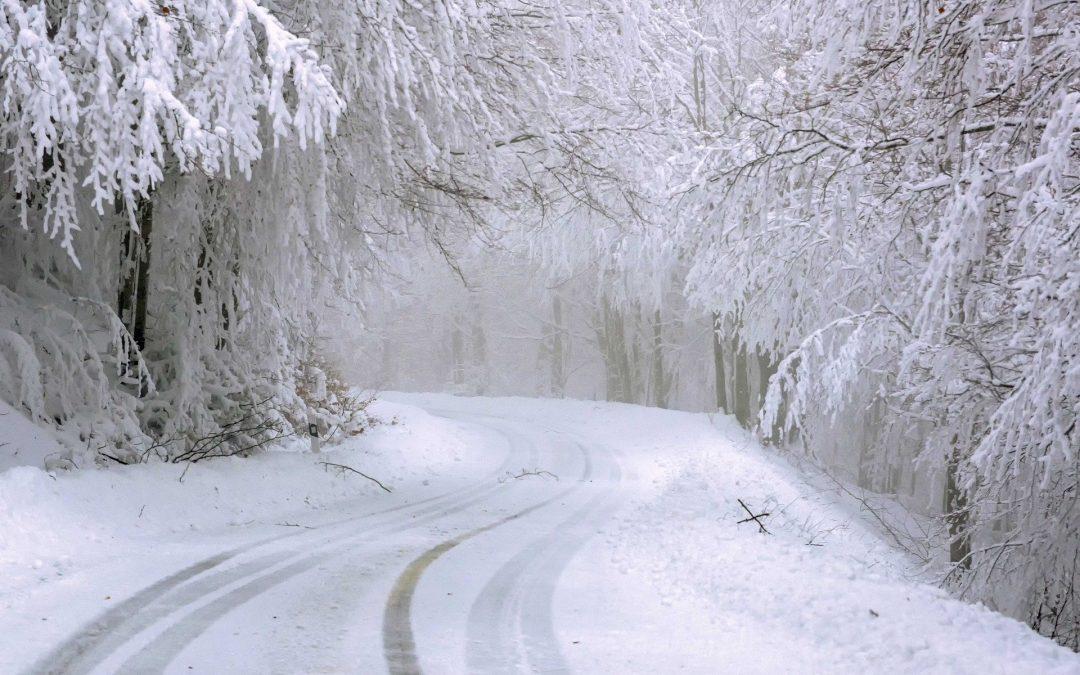 Policja: W warunkach zimowych korzystaj bezpiecznie z drogi