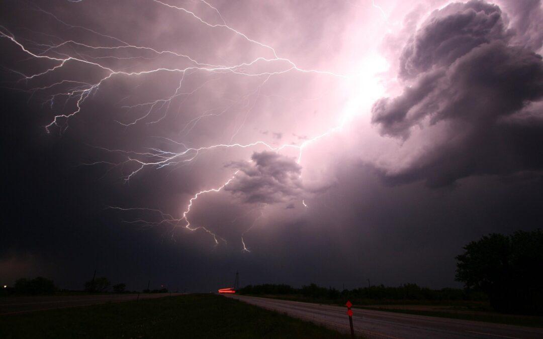 Burza i inne niebezpieczne zjawiska atmosferyczne